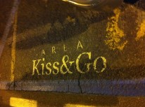 Kiss & Go parking... Only in Italy!